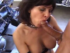 Milf gives cool blowjob