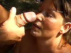 Mom gets facial on picnic