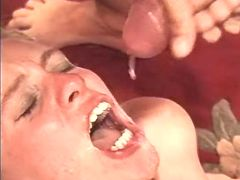 Man fucks milf and jizzes