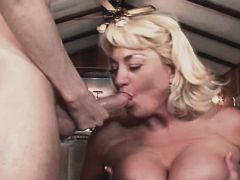 Aged mature sucks and gets titsfuck